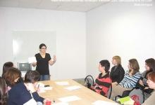 тематический семинар проводит Ребекка Дэш, преподаватель из США